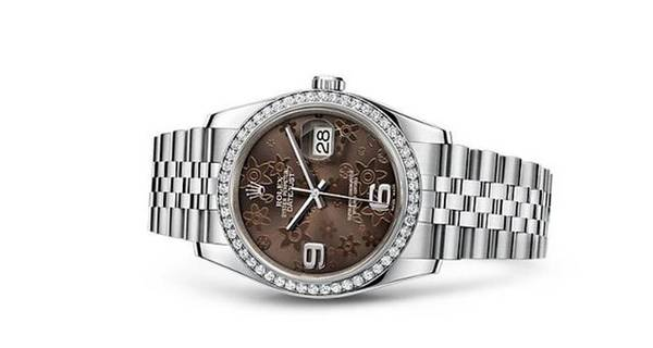 Diamonds plating fake Rolex watches are quite shining under the sun.