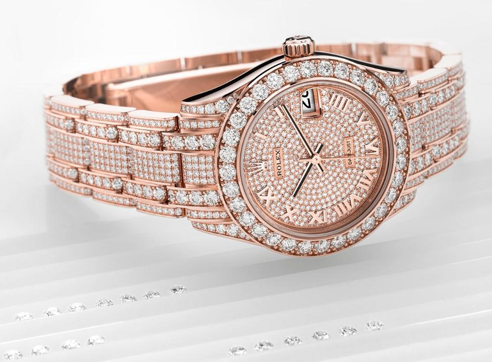 The charming copy watches are made from everose gold.
